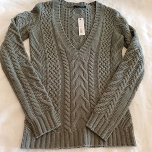 Theory cable knit wool and cashmere sweater